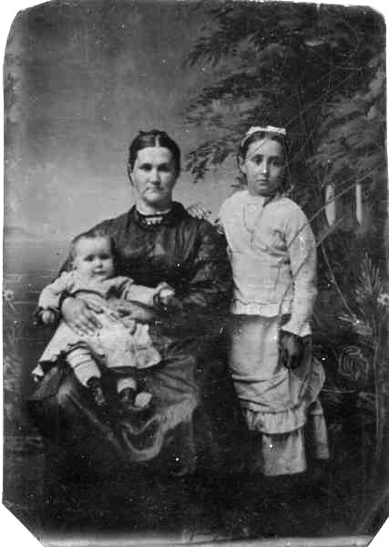 James Irvin Weddle with his mother Jane (Cline) Weddle and sister, circa 1860